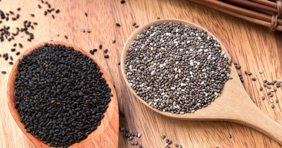 Know the difference between Chia Seeds and Basil Seeds!