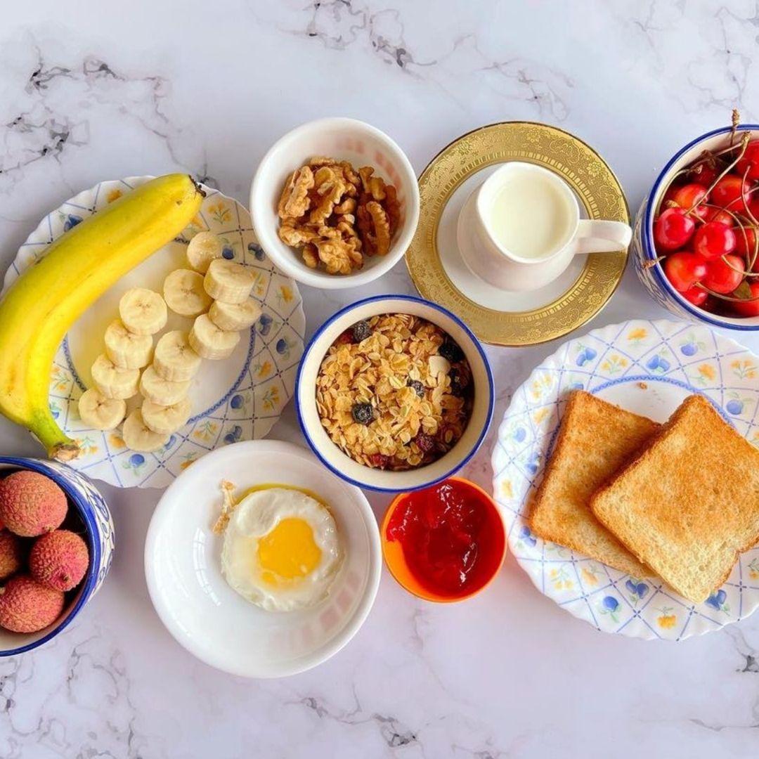 Berries Muesli Bowl